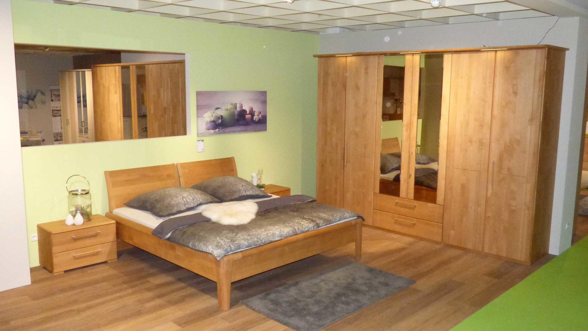 Partnerring Collection Schlafzimmer Bett 180 x 200 cm mit 2 Nachtkonsolen +  Kleiderschrank Erle massiv, Erle massiv geölt, Grif