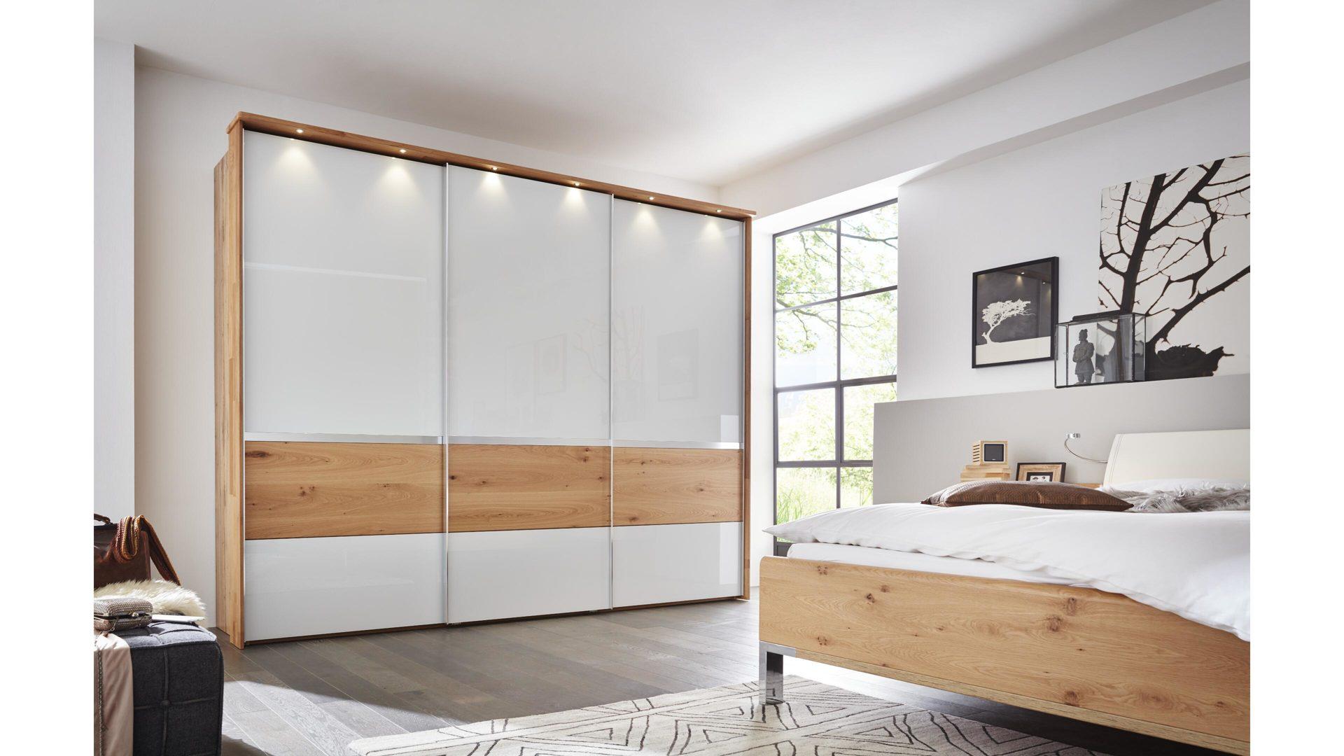 Interliving Schlafzimmer Serie 1202 Schwebeturenschrank