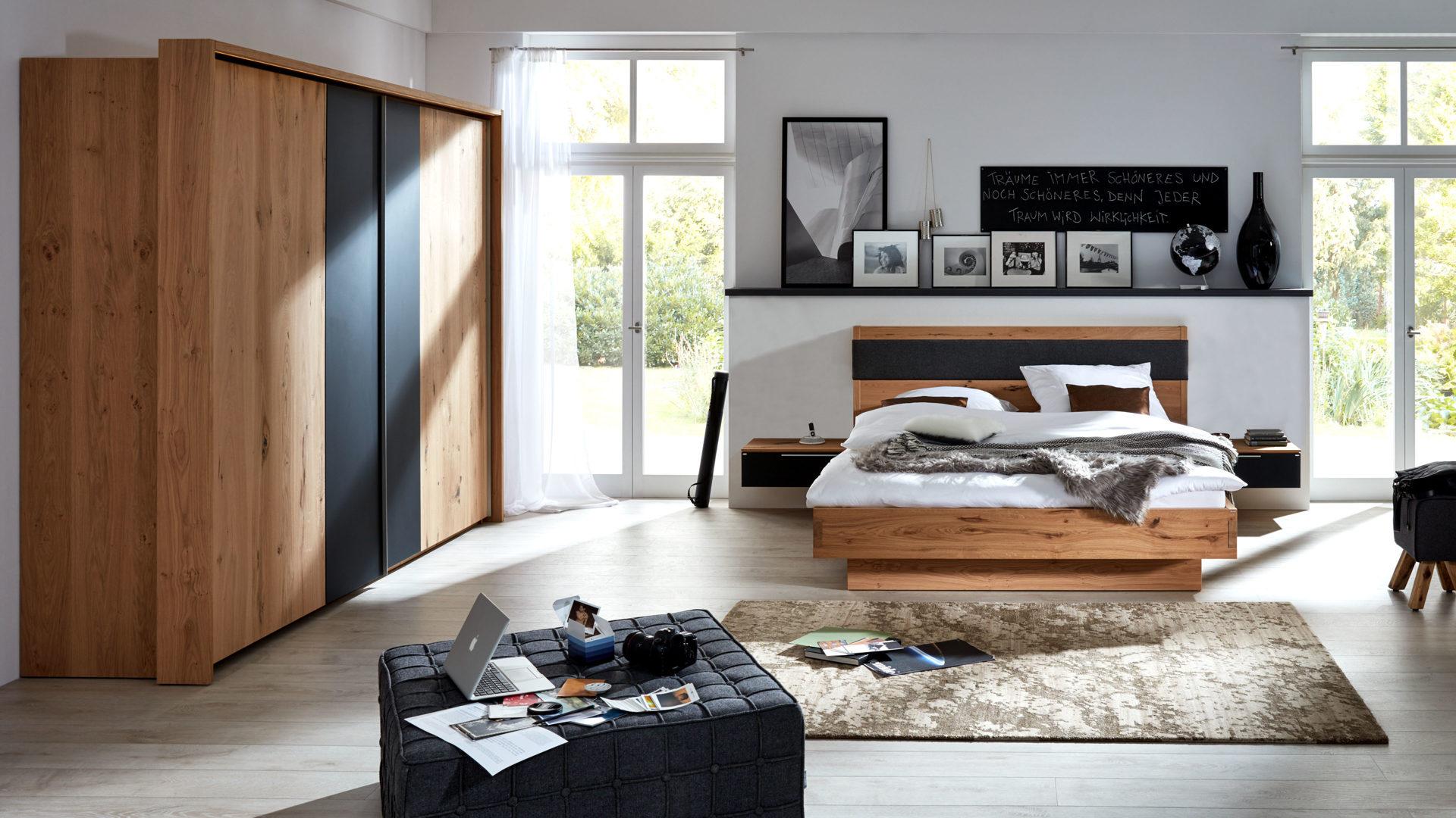 Interliving Schlafzimmer Serie 1004 – Schlafzimmerkombination, Alteiche  Rustiko, Anthrazit & Basaltgrau – vierteilig