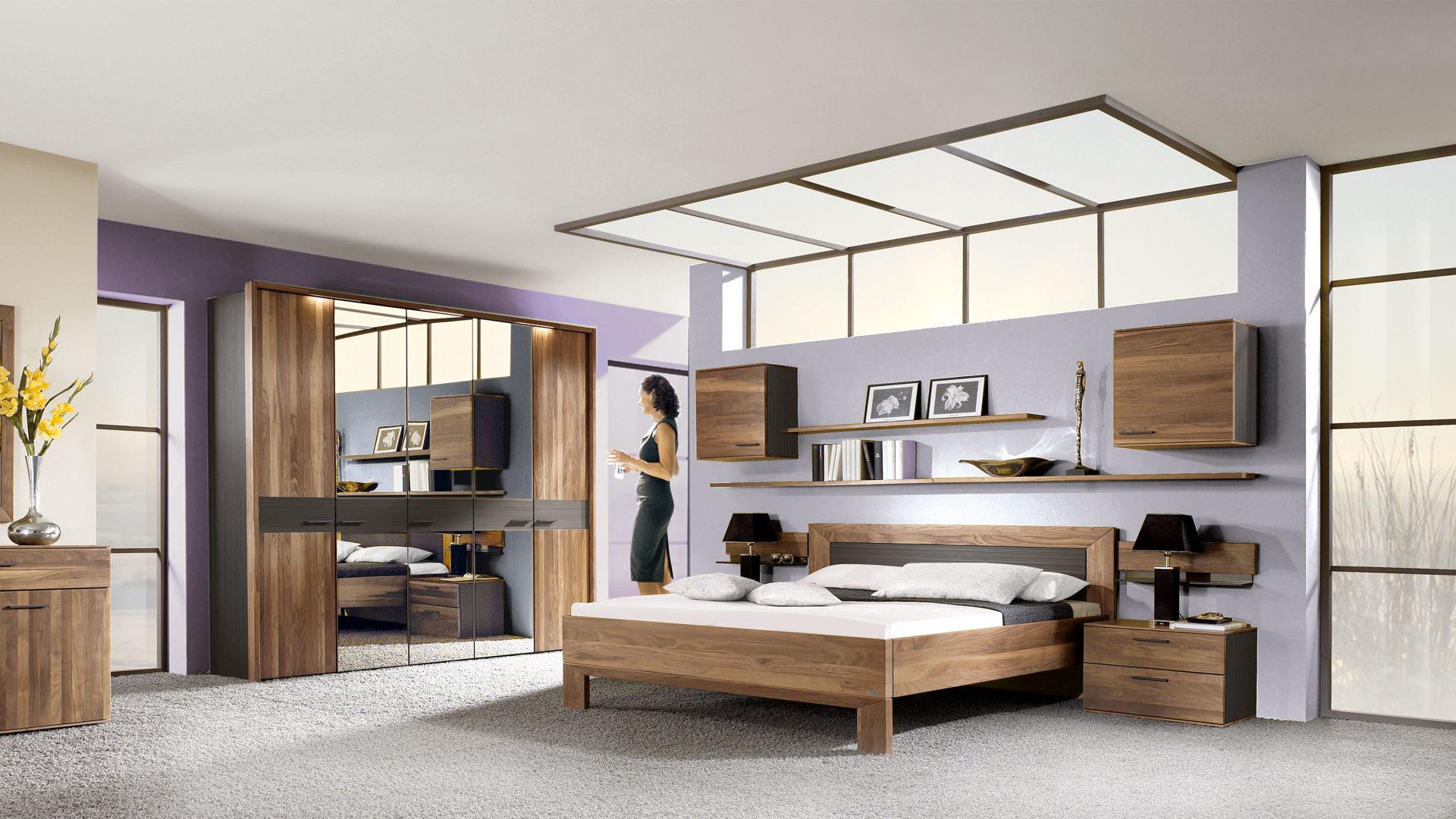THIELEMEYER Schlafzimmer mit Massivholzmöbeln, Nussbaum - vierteilig ...