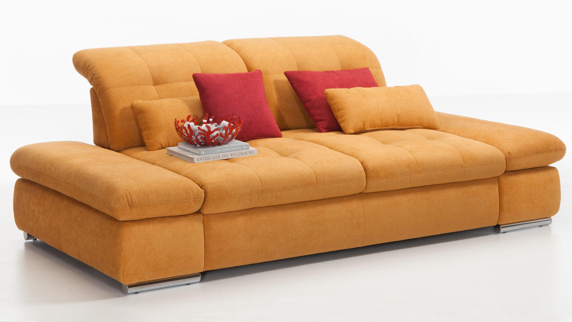 Kawoo 2 Sitzer Sofa Santa Lucia Mit Federkern Maisfarbener Bezug Kati 20387 Verchromte Metallfusse Breite Ca 225 Cm