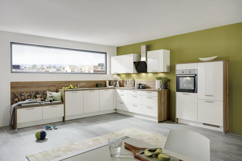 Einbauküche mit gorenje-Elektrogeräten z.B. Kühlschrank, weiße, Bad ...