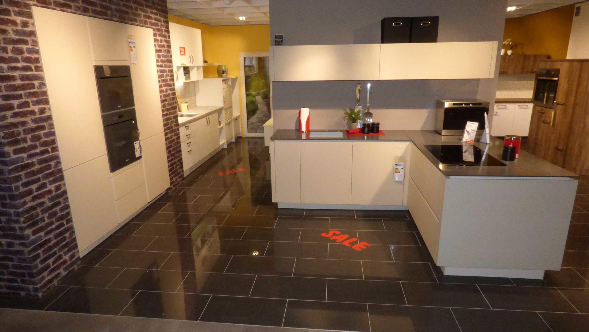 Ziemlich Küchenarmatur Showroom Lange Insel Ideen - Ideen Für Die ...