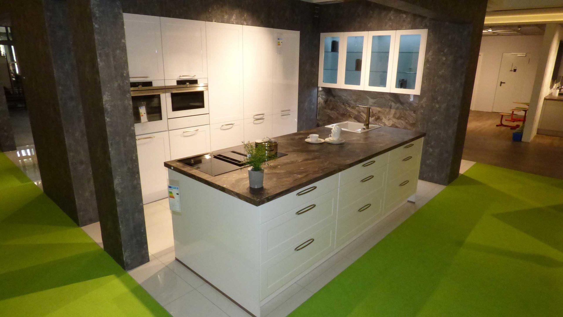 Nett Bad Küche Lack Fotos - Ideen Für Die Küche Dekoration - lazonga ...