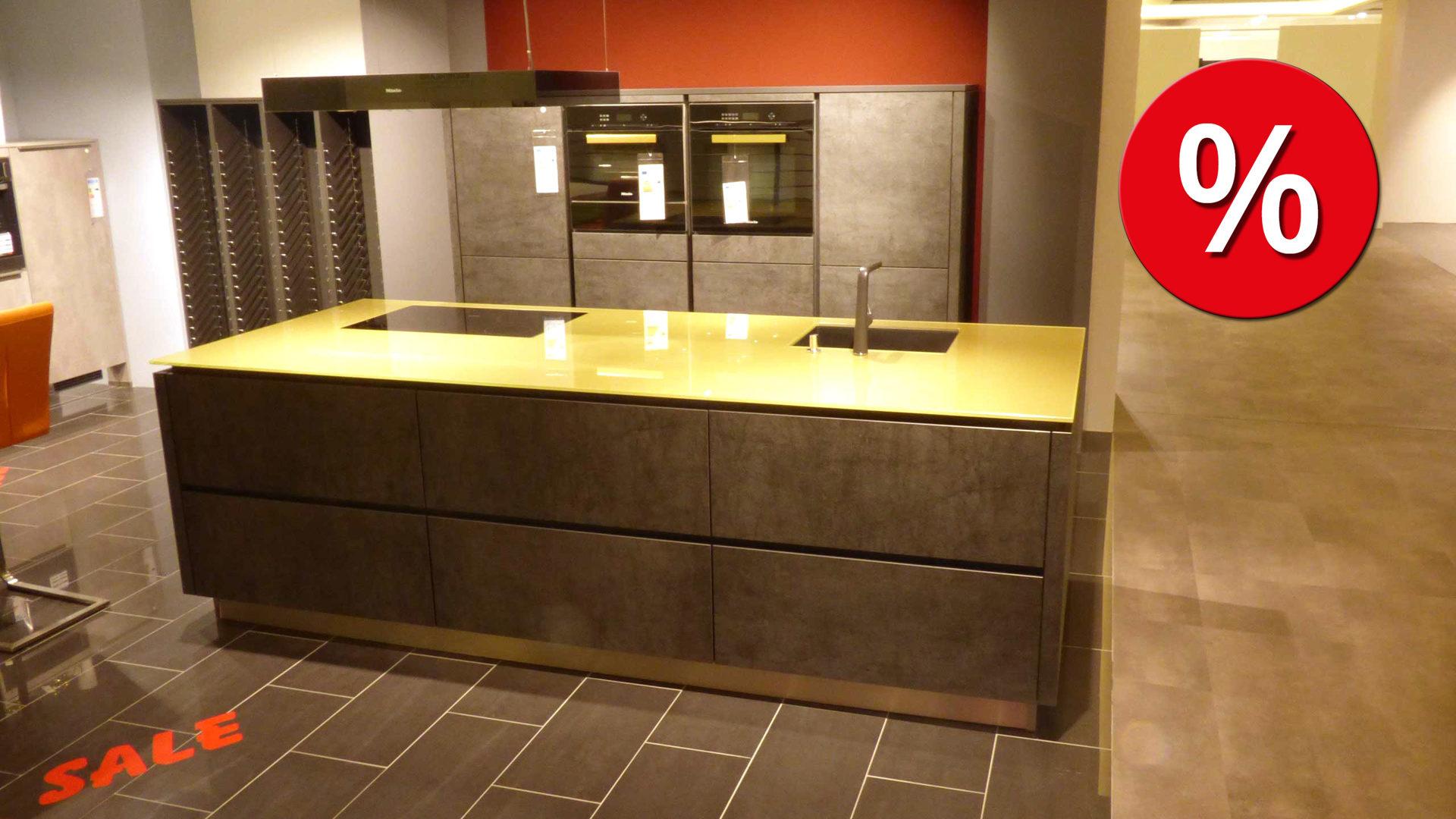 Einbauküche Alno In Grau Goldfarben Edle Alno Küche Einbauküche Cera Mit  Keramik Front Und Miele